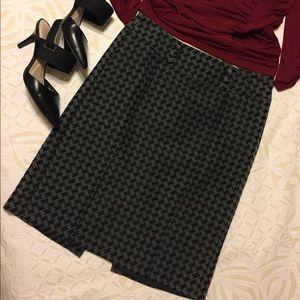 Ann Taylor Petites Gray & Black Houndstooth Skirt